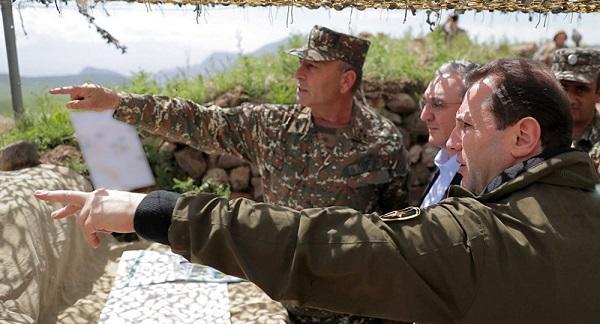 Армения снова играет мускулами, теперь в Нахчыване