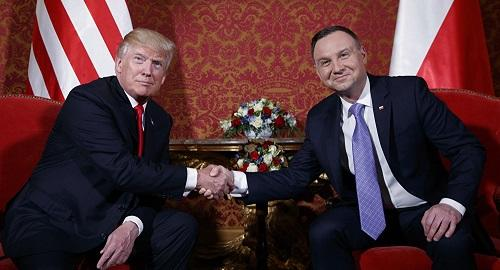 Poland backs US on Iran deal