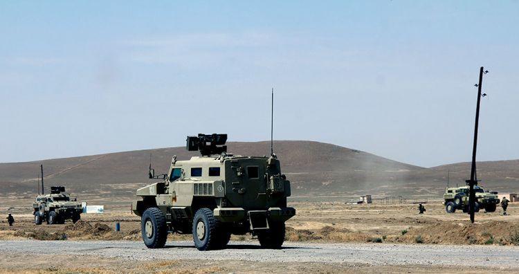 NATO generalı kəşfiyyat bölüyünün təlimlərini izlədi - Foto