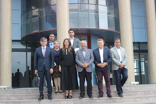 آذربایجان خالق جمهوریتی تورکییهده موذاکیره ائدیلدی – فوتو