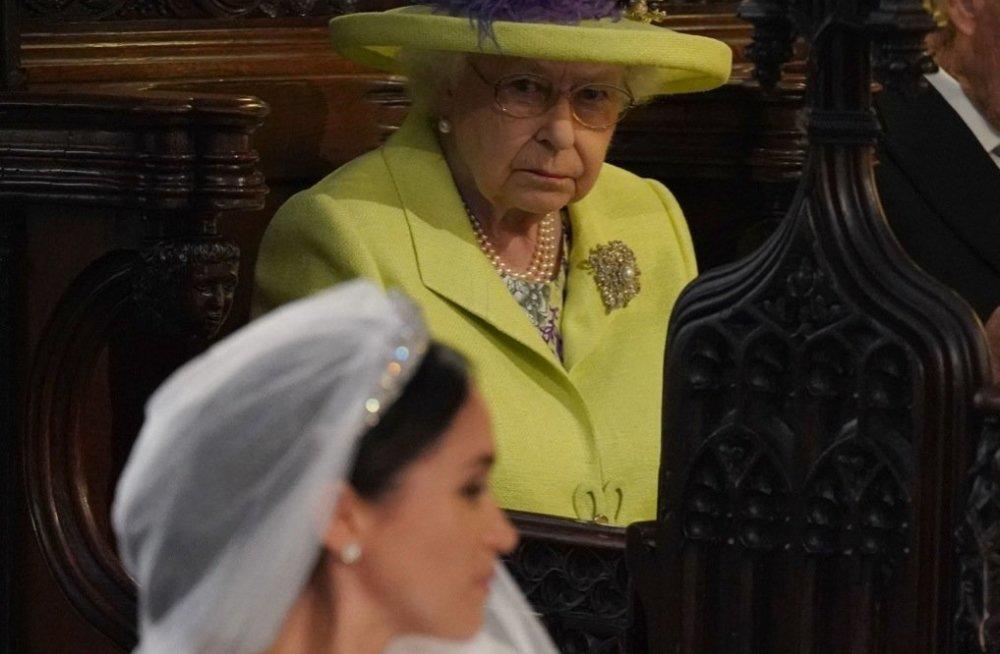 Меган Маркл будет учиться этикету по требованию королевы