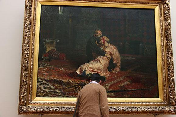 В Москве вандал повредил знаменитую картину
