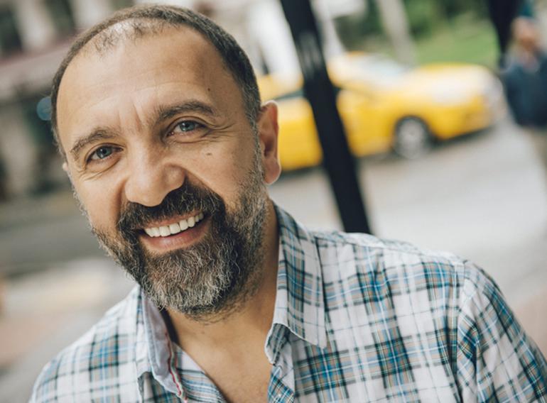 Türkiyənin məşhur aktyoru Bakıda - Foto