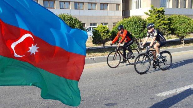 Mədət Quliyev və Elçin Quliyev velosiped yürüşündə - Foto