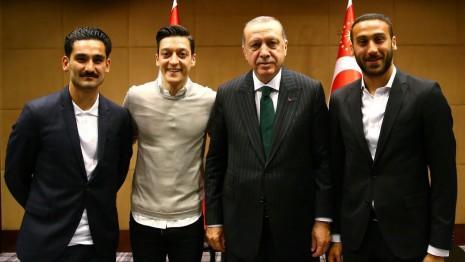 او دا اردوغانلا گؤروشه گؤره کاریئراسینی بیتیریر؟