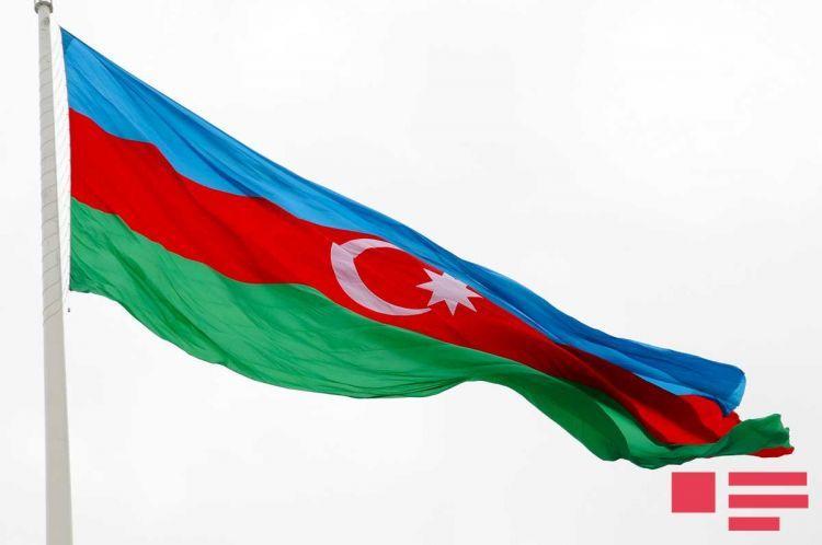 آذربایجانین تاریخی بایراقلاری -فوتولار
