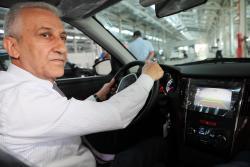 آذربایجانین ایرانلا بیرگه ایستحصال ائتدیی آوتومبیللر سیناقدان کئچیریلدی