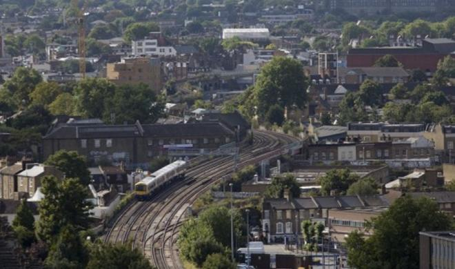 Train incident leaves three dead in south London