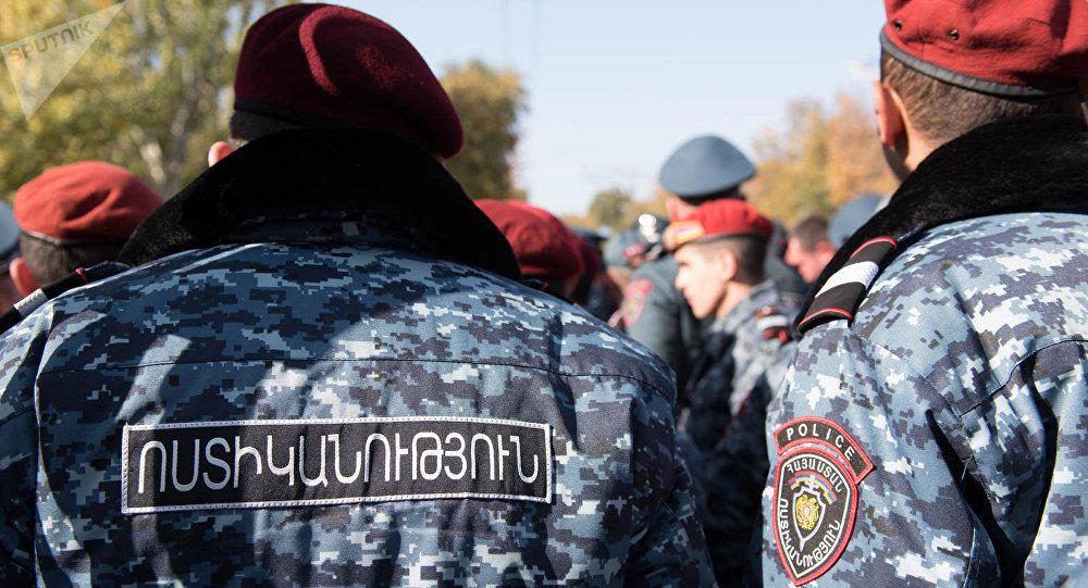 В Ереване полиция взяла под охрану резиденцию президента