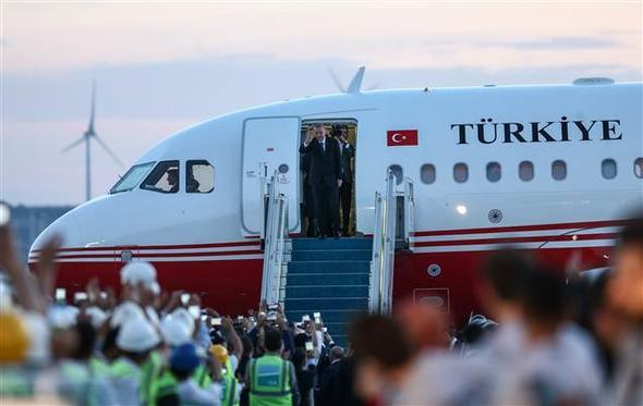 Президент Турции с министрами отбыл в США