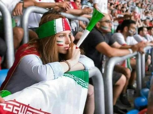 İranda 39 il sonra ilk: Qadınlara izn verildi