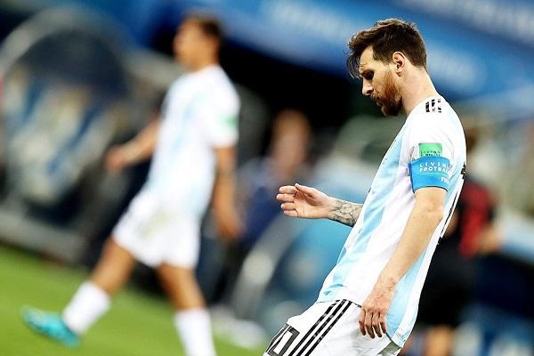 Darmadağın olan Argentinaya görə Messiyə bunlar yazıldı