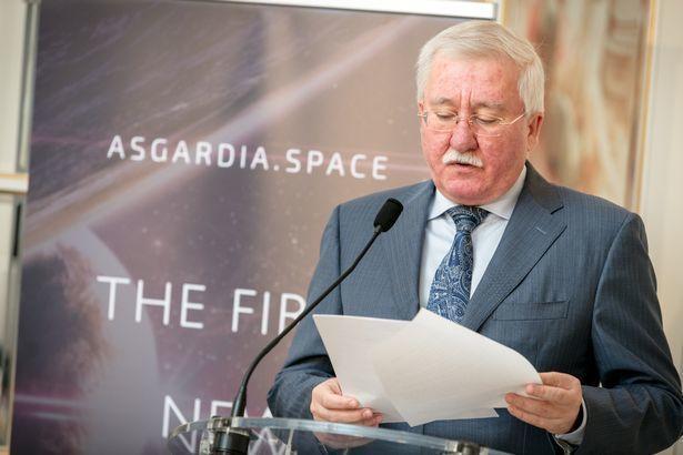 Kosmosda dövlət quran azərbaycanlı planlarını açıqladı
