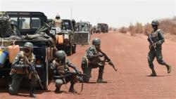 Hərbi hissəyə qanlı hücum: 20 hərbçi öldürüldü