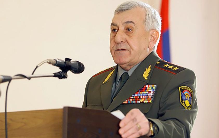 Экс-министра обороны Армении объявили в розыск