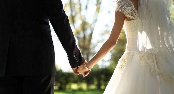 Число ранних браков в Азербайджане сократилось