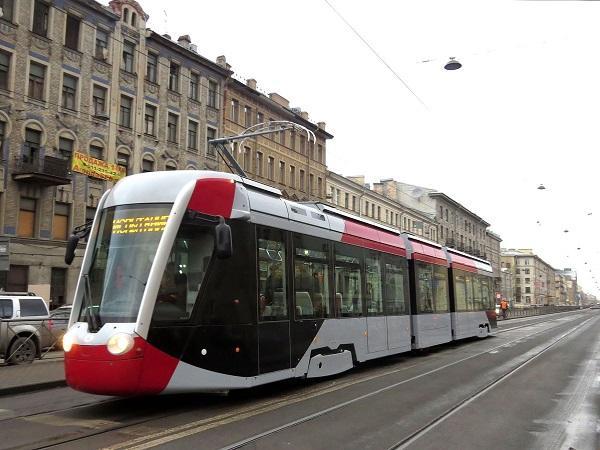 Bakıda tramvay nəqliyyatı bərpa olunur - Video