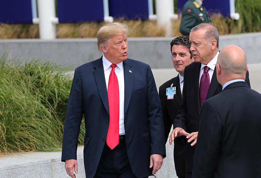 Tramp Türkiyə ilə bağlı yunanları sevindirdi