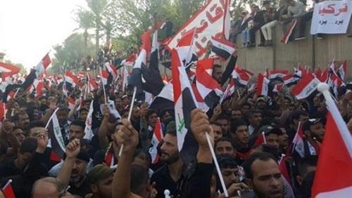 Силовики открыли огонь по протестующим в Багдаде