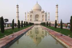 Индия отложила открытие Тадж-Махала из-за COVID-19