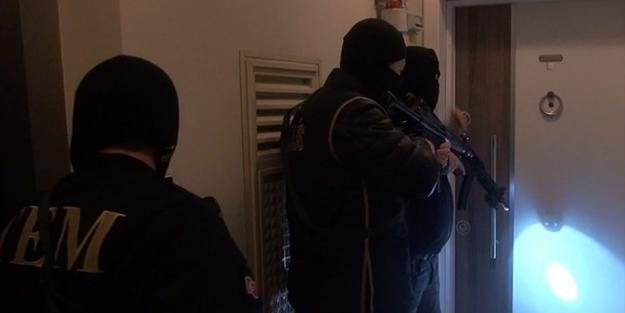 تورکییهده قانلی عملیات: ۳ پلیس یارالاندی