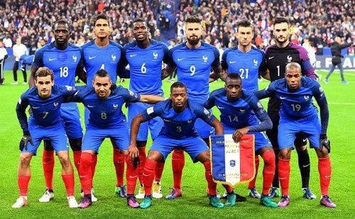 Fransanın qaradərili komandası: 23-dən 15-i...