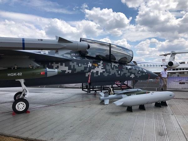 В Лондоне показали прототип первого турецкого истребителя