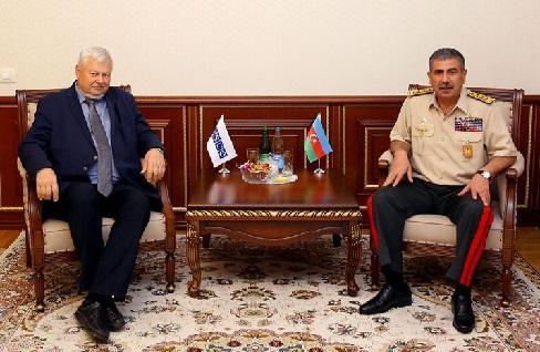 Закир Гасанов на переговорах с Каспшиком