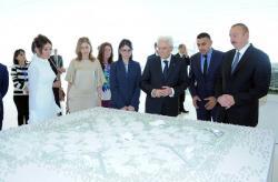 Президенты Азербайджана и Италии на выставке - Фото