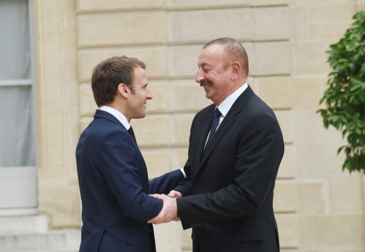 Ilham Aliyev congratulates Emmanuel Macron