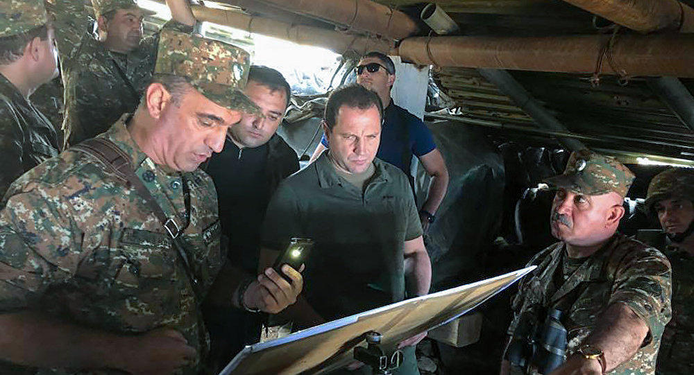 Министр обороны Армении прибыл на передовую