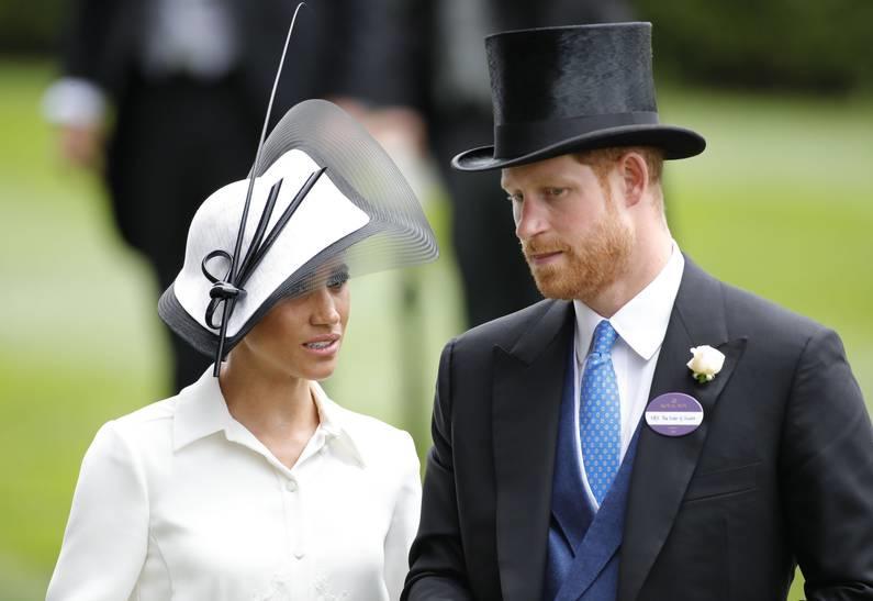 Меган Маркл и принц Гарри потеряют свои титулы