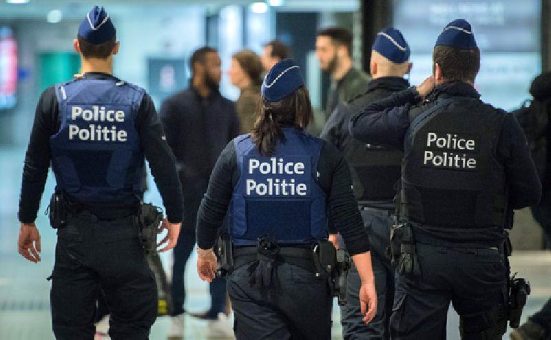 Fransız nazir: 100-ə yaxın polis yaralanıb