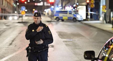 İsveçdə polis çatışmır: problem belə həll edilir