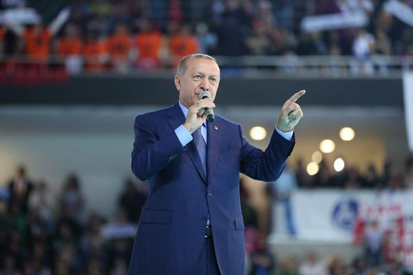 Erdogan criticizes US for supporting Kurdish units