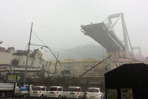 ЕС спустил флаги в связи с обрушением моста в Генуе