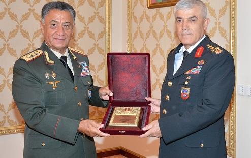 Türkiyənin ordu generalı Bakıya gəldi - Foto