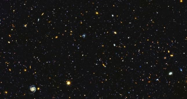 Hubble Space Telescope captures 15,000 galaxies