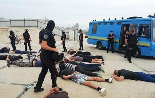 Kiyevdə gərginlik: 80 nəfər saxlanıldı