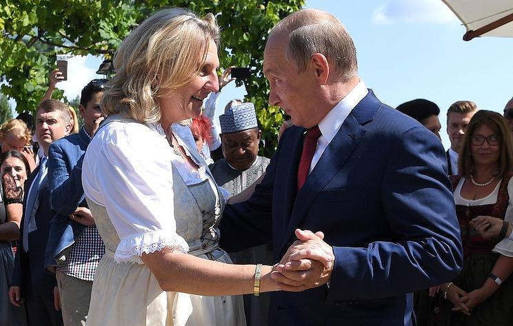 В сети появилась запись танца Путина на свадьбе - Видео