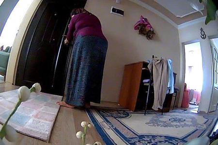 Kirayənişini qarət edən ev sahibi kameraya düşdü - Video