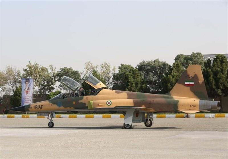 Иран представил свой первый истребитель - Фото