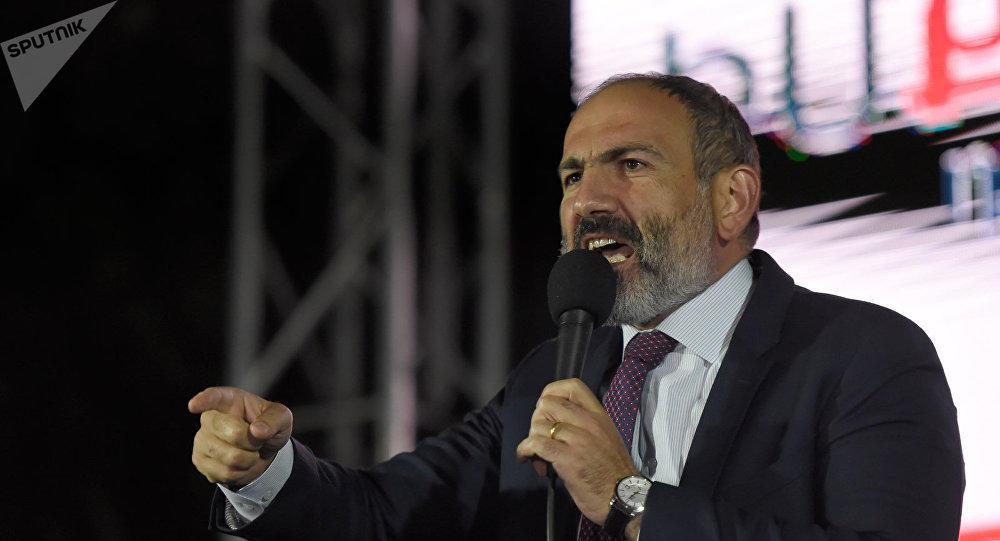 پاشینیان آبش-آ میدان اوخودو: ایروان ایمتینا ائتمیر