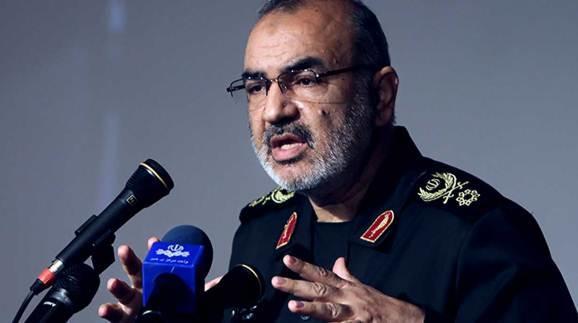 İranlı general: ABŞ-ın gəmilərini vura bilərik