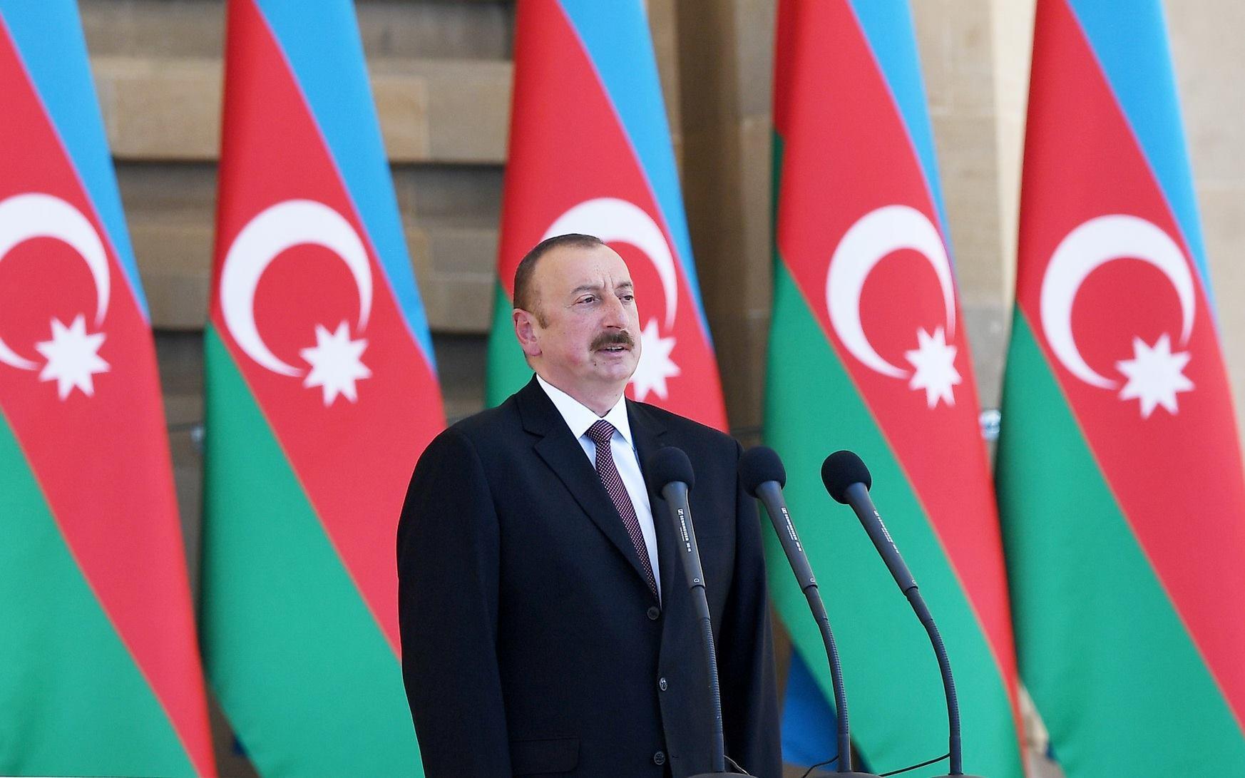 Алиев превратил Азербайджан в развитую страну - Питер Тейс