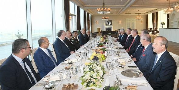 Алиев и Эрдоган поужинали в Шуше