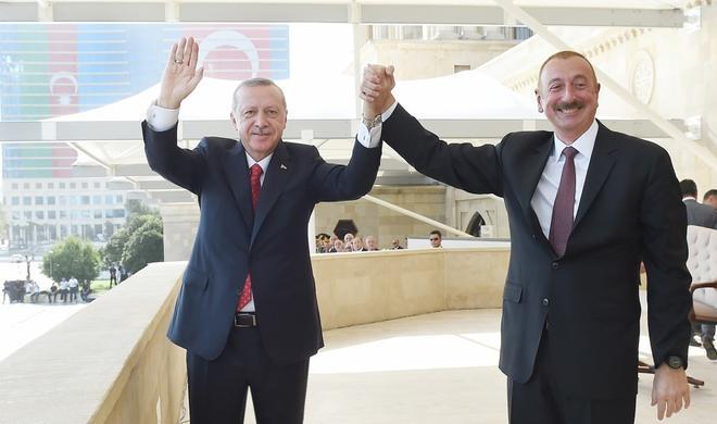 """Azərbaycanla Türkiyə """"İttifaq dövləti"""" qura bilər – Model"""