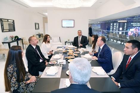 Президентская семья встретилась с Мариусом Визером - Фото