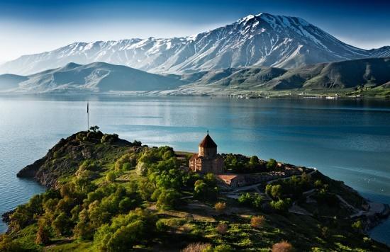 Они превратили Ван в Армению - Гюльбей