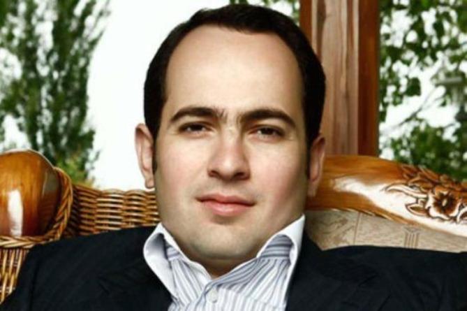 Сын Роберта Кочаряна подал в суд на главу СНБ